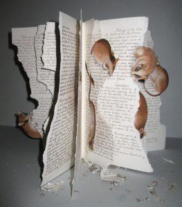 les mains dans l encre livre objet
